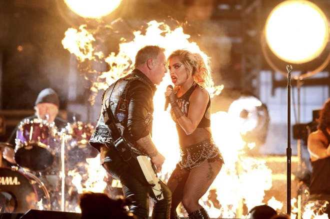 7787222634_lady-gaga-en-duo-avec-metallica-aux-grammy-awards-2017