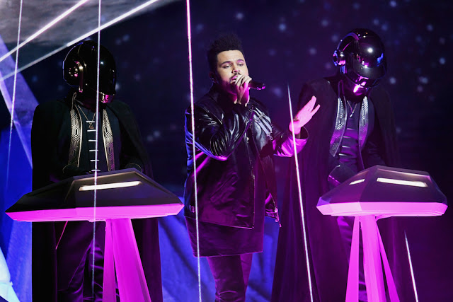 The-Weeknd-Daft-Punk-Performs-at-2017-Grammy-Awards